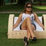 poltroncina design sara in legno per giardino outdoor