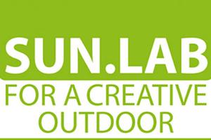 poltroncina sara in legno per giardino outdoor sun lab rimini logo